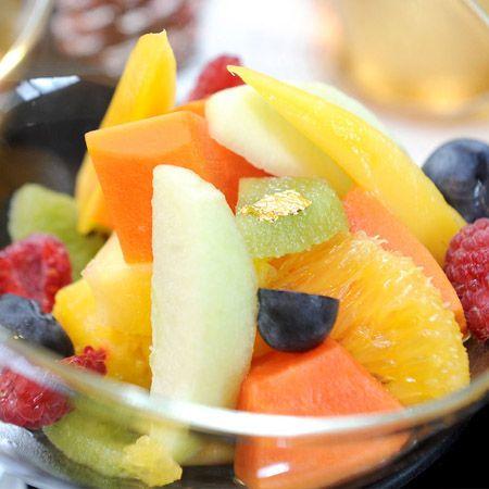 Een frisse fruitsalade voor bij de barbecue