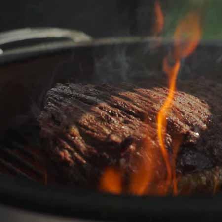 Groot vlees op de grill