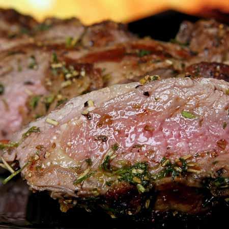 Sappig groot vlees op de barbecue